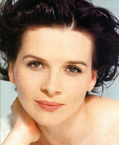 Juliette Binoche.. to me she is beautiful.. with that gorgeous French nose and mouth.