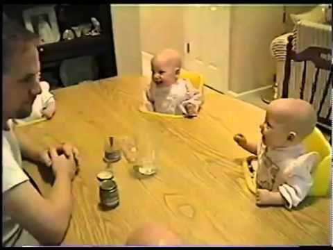 **Video Divertentissimo!!!** Bambini che ridono senza sosta :)