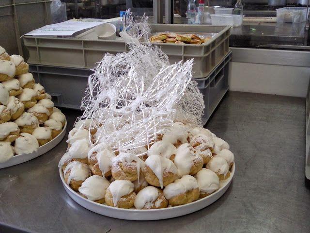 bignè alla crema in scultura - italian food, love Italy