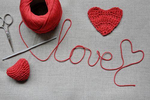 <3Cherries Blossoms, Valentine Day, Amor Con, Crochet Heart, Canvas, Happy Valentine, Red String, Crafts, Crochet