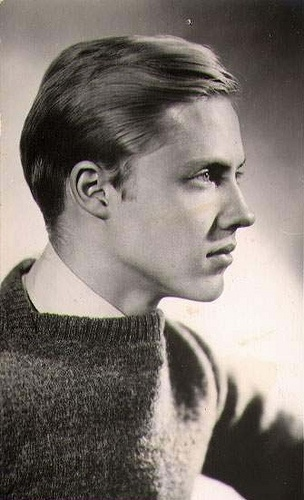 Christopher Walken? shut the front door...he was sexy. and the blue eyes only make him more so
