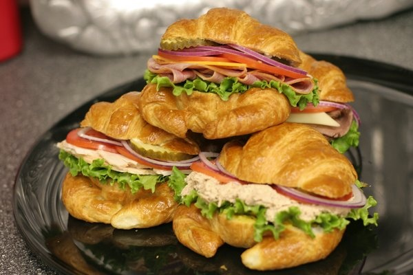 how to make croissant sandwich bread