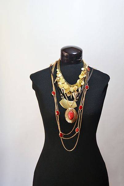 collares rojos y dorados, una linda combinación para lucir este 2014