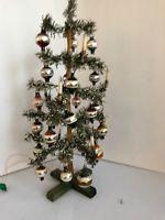 alter Weihnachtsbaum, Christbaum, Tannenbaum,  Puppenstube, elektrische Kerzen