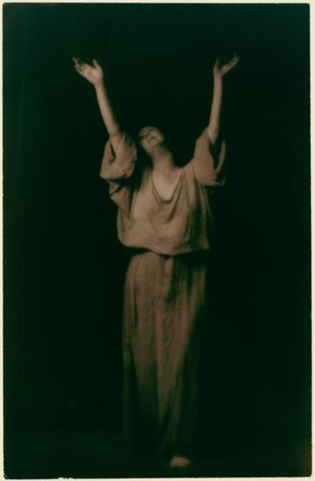 Arnold Genthe- Isadora Duncan : studies , 1915-1918
