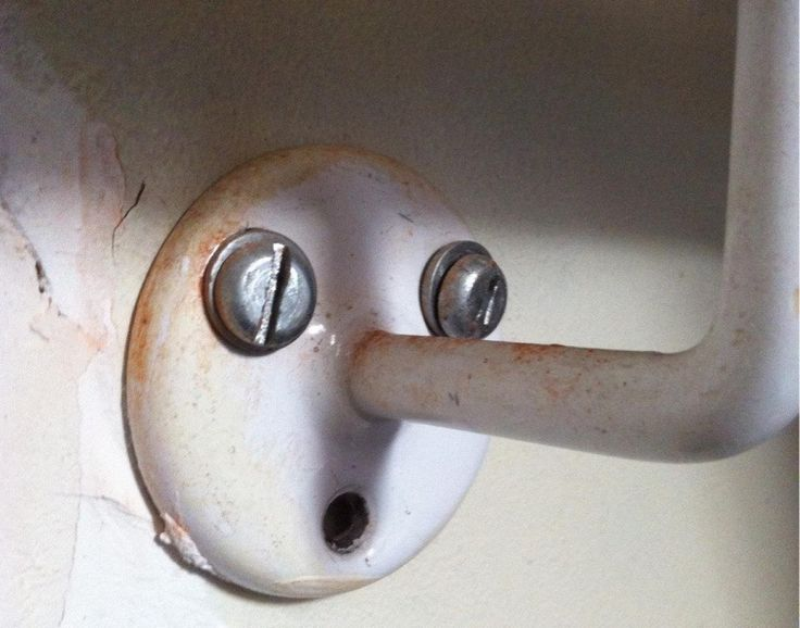 We can't blame this expression. It's not easy having a plumbing pipe going through your nose!
