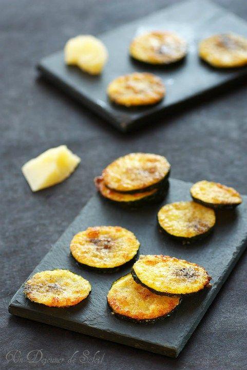 Chips ou rondelles de courgettes au parmesan, un apéritif italien tout simple et minute