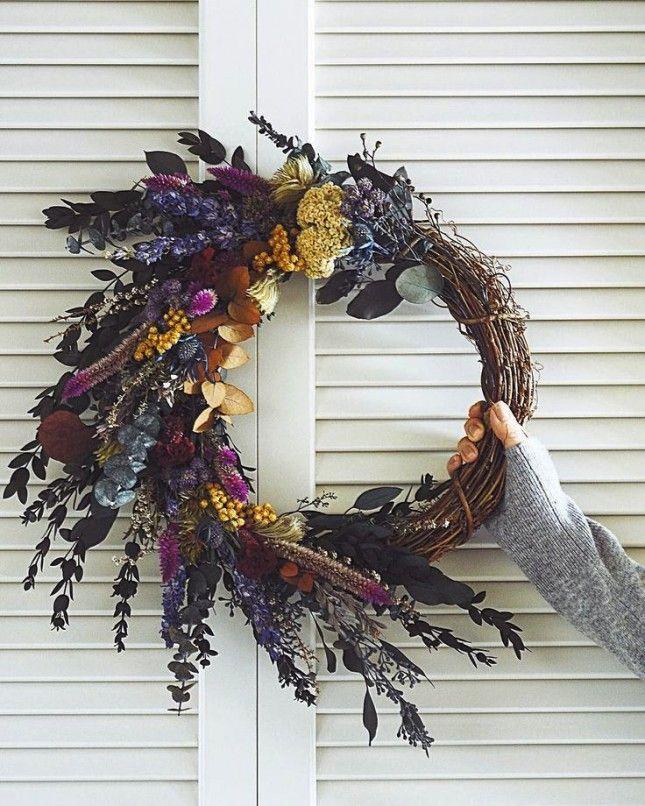 19 Inspiring Winter Flower Arrangements on Instagram via Brit + Co.