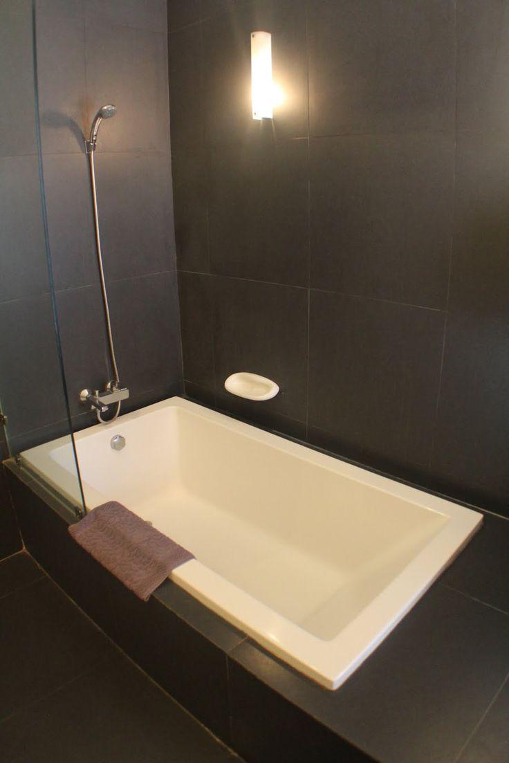 Begehbare Dusche Neben Badewanne : Dusche mit Badewanne IUDIA on the River Hotel Pinterest