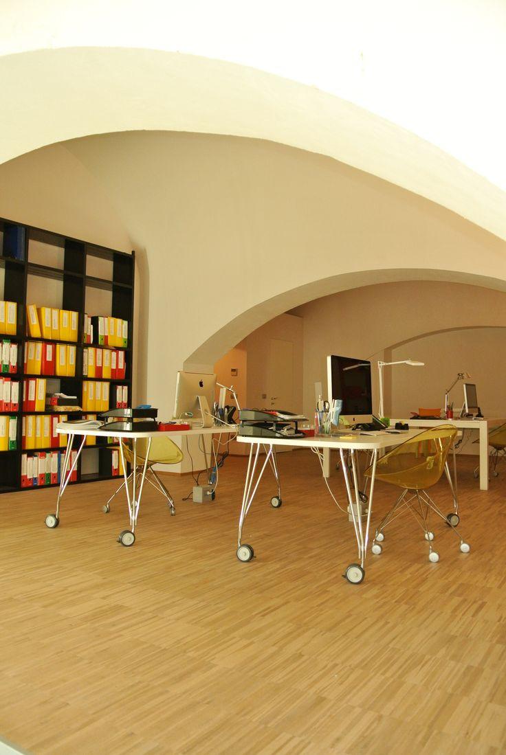 Un angolo del nostro nuovo studio, progettato per ospitare nuove idee #loft #architettura #interior