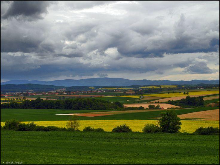Góry Sowie. Widok ze Wzgórz Łagiewnickich.