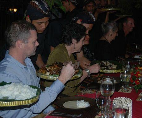 Top 5 things to do in Yogyakarta, Indonesia http://www.aluxurytravelblog.com/2013/07/29/top-5-things-to-do-in-yogyakarta-indonesia/