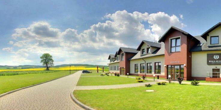 Biała Akacja Resort -60%, Ostatnie Pokoje, Łąka Prudnicka, Kameralny kompleks zlokalizowany w pięknej scenerii Gór Opawskich | Triverna.pl