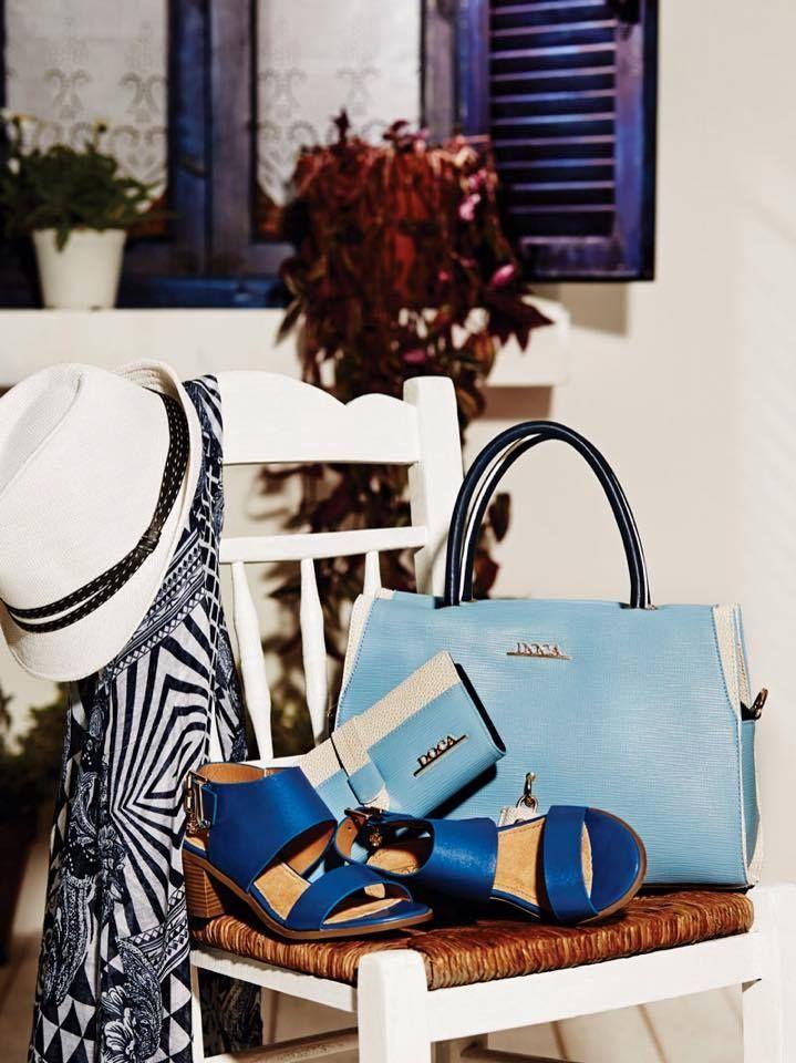 DOCA SS15 #Collection Summer #Sales / έως -60% Καθημερινή #τσάντα σε μπλε χρώμα με μπεζ λεπτομέρειες: https://www.doca.gr/el/anoixi-kalokairi-15/tsantes/kathimerines-tsantes-ss15/09951-kathimerini-tsanta-mple-detail.html