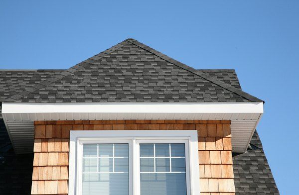How To Replace The Rafters Without Removing The Roof Hunker In 2020 Architectural Shingles Shingle Siding Cedar Shingle Siding