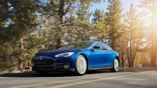 Since launching back in 2012, the Tesla Model S has gotten more powerful, more capable and more expensive. That trend continues with the all-new 70D all-wheel-drive trim, which replaces the rear-wheel-drive 60 trim as the entry-level model in the lineup.