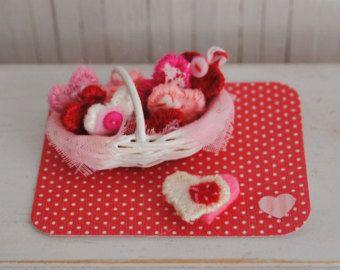 Миниатюрная Корзинка из войлока сердца - очаровательны для Вашего мини-День Святого Валентина, Декор