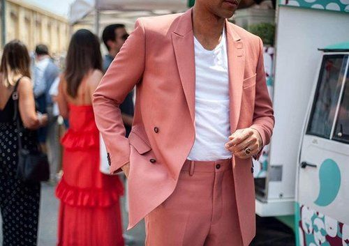 Thank you for wonderful days at @pittimmagine in Florence. @youngwenda rocking this pink suit from @tigerofswedenofficial.  #pu92 #pittiuomo #tigerofsweden #ootd #wtwt #boysinspiration
