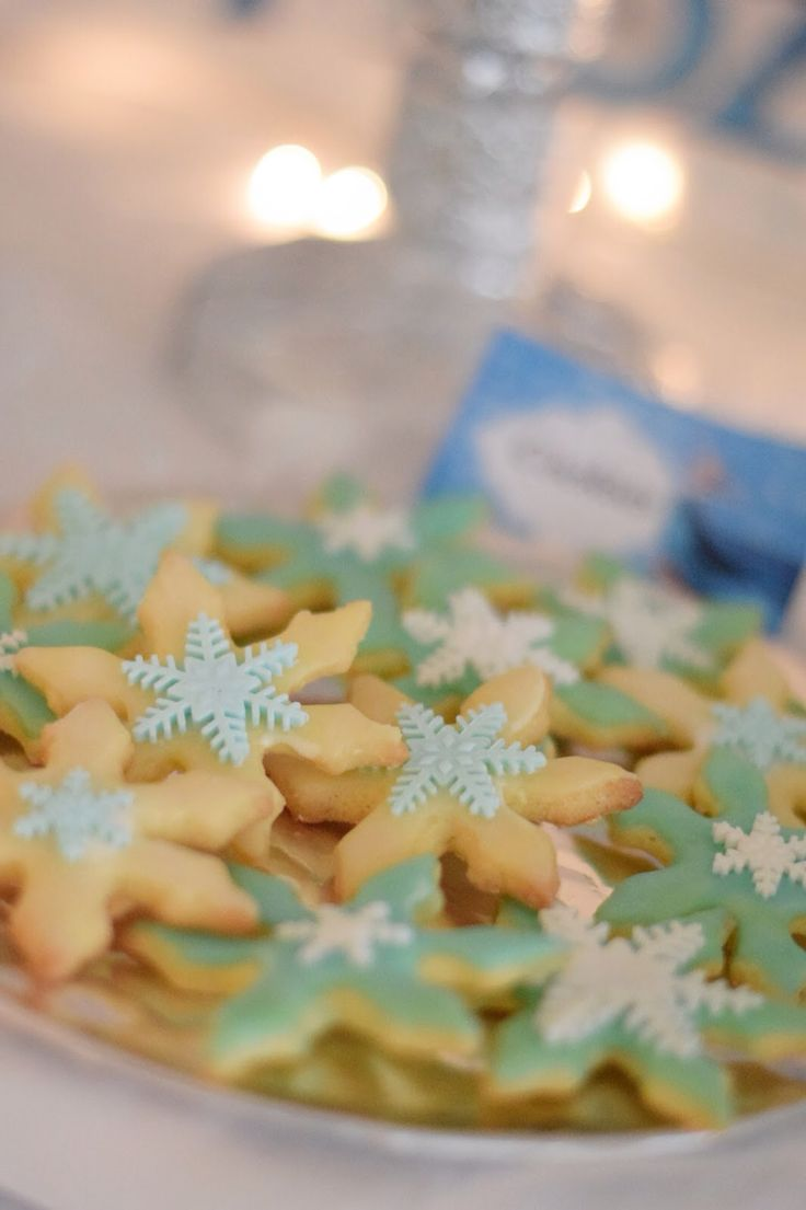 Cookie frozen party birthday snowflake