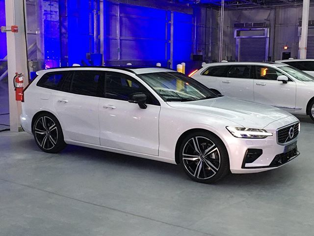 Volvo Snuck The V60 R Design Into The 2019 Volvo S60 Launch At The Opening Of Its New Assembly Plant In Ridgeville S C Like The Wago Volvo Volvo V60 Volvo S60