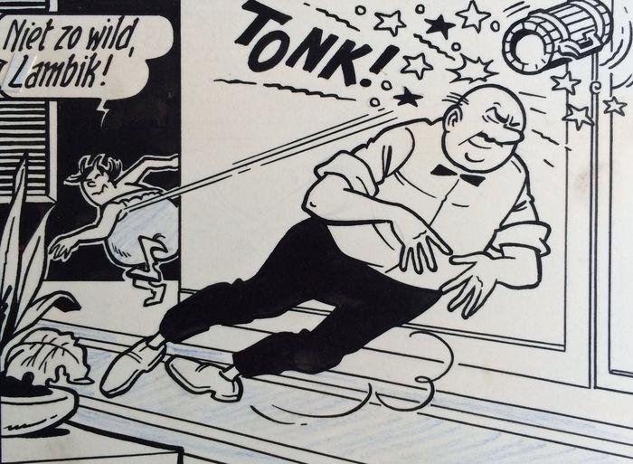 """Vandersteen Willy - Originele pagina (p.14) Suske en Wiske - De nerveuze Nerviërs - met luxe groot formaat hc - (1963/2016)  Originele plaat Suske en Wiske door Willy Vandersteen. Plaat 14 uit het verhaal """" De nerveuze Nerviërs """" getekend in de periode 1963-1964. Goede staat. Op deze pagina: Lambik is uitgespeeld en professor Barabas voelt iets prikken. De eerste Nederlandstalige editie van dit album nummer 51 in de reeks verscheen in 1964 in zwart en wit en een steunkleur. Jerom Lambik…"""