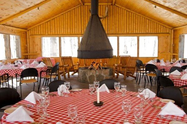 Pavillon de l'érablière / Sugar Shack - www.sacacomie.com
