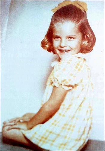 Anna Nicole Smith ( Vicki Lynn Hogan, at this age )  her daughter looks just like this