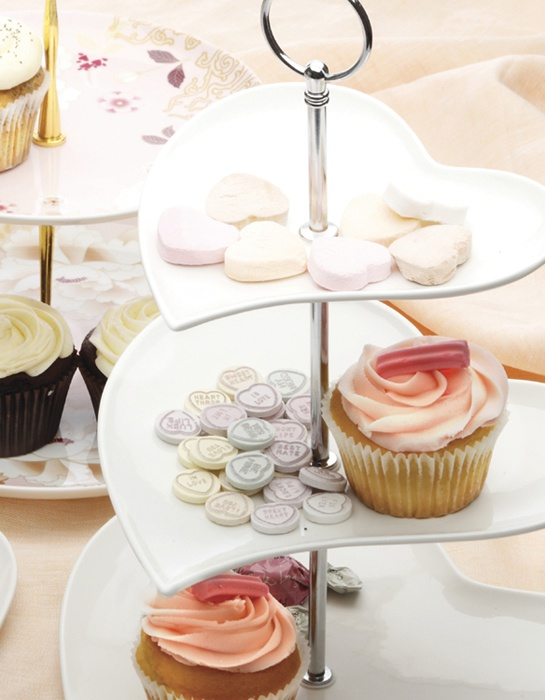High Tea and Cupcakes with Maxwell and Williams White Basics Heart and Kimono Cake Stands