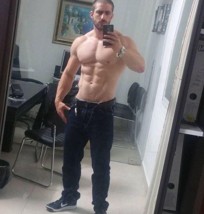 hot juicy nude guy selfies