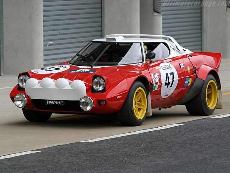 Lancia Stratos in striking red & white.