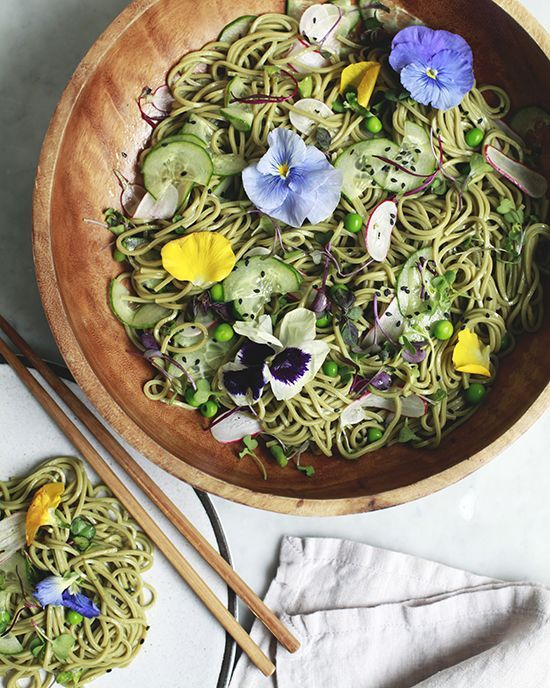 Spring Matcha Soba Noodle Salad gorgeous spring summer meal w edible flowers!