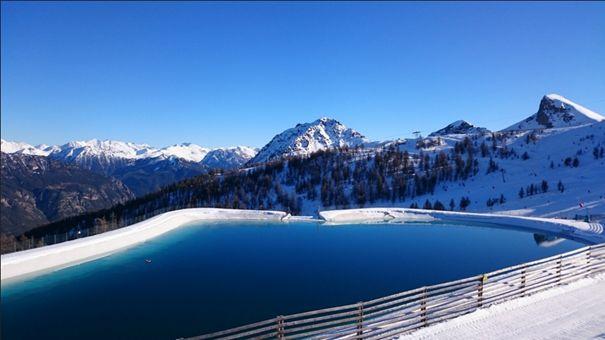 Sur les sommets de Serre Chevalier, près du Parc national des Écrins   France  #France #SerreChevalier #Alpes #Alps #Montagne #Moutain #Neige #Snow #Village