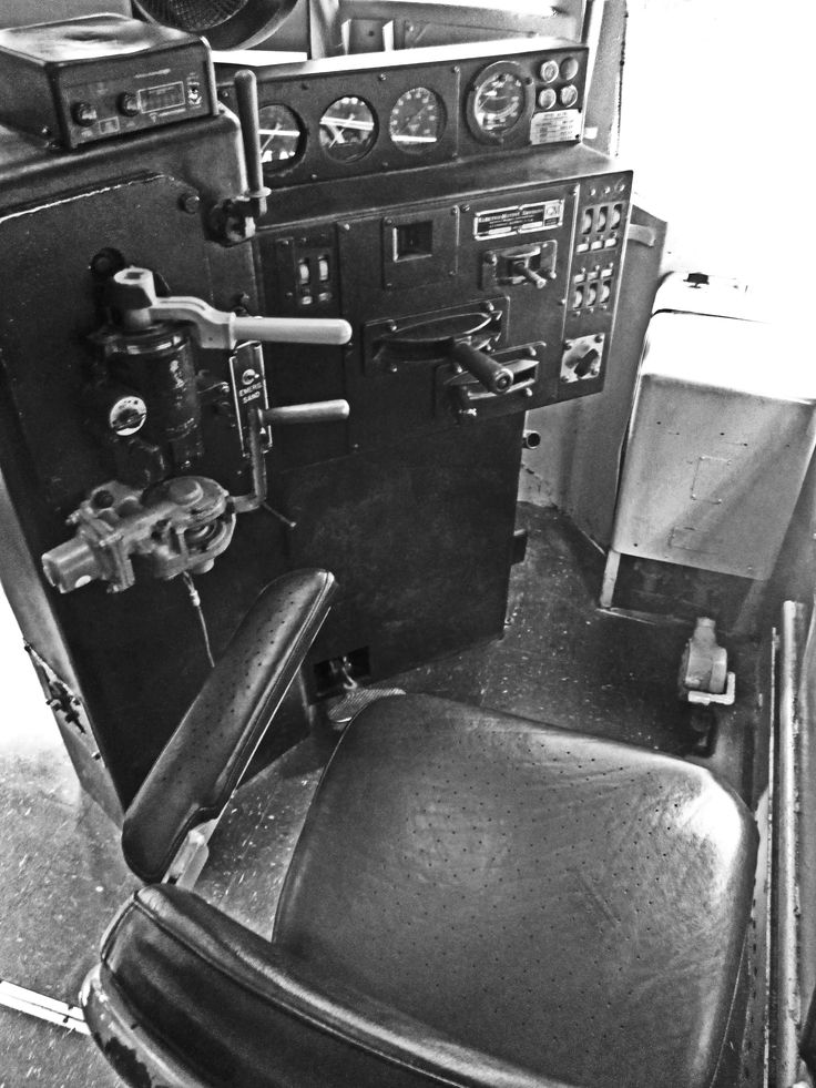 Diesel Electric Locomotive Cab Interior   Love's Photo Album   Trains   Pinterest   Electric ...