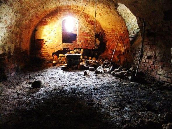 http://www.dominatura.pl/2012/07/folwark-z-1801-r-stara-piwnica-w-trakcie-remontu/