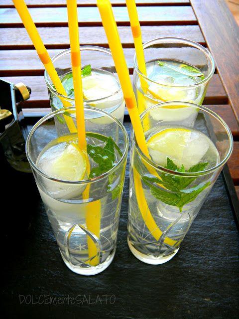DOLCEmente SALATO: Cubetti di ghiaccio al limone per una fresca limonata