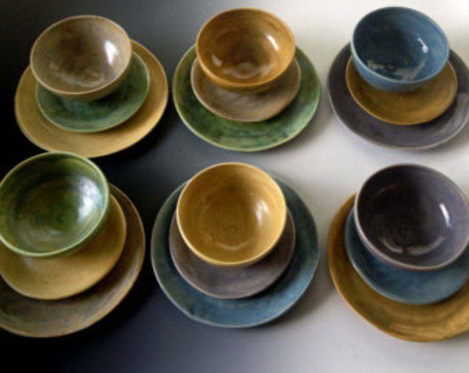 NUEVOS colores terrosos, ajustes de lugar, seis colores, conjunto de seis ajustes de lugar, servicio de mesa por Leslie Freeman