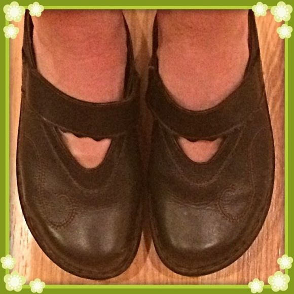 Josef Seibel Shoes Chocolate brown Josef Seibel slip on shoes size 38 translate to an 8. In good condition from a smoke free home, very little wear to the bottoms. Josef Seibel  Shoes Mules & Clogs