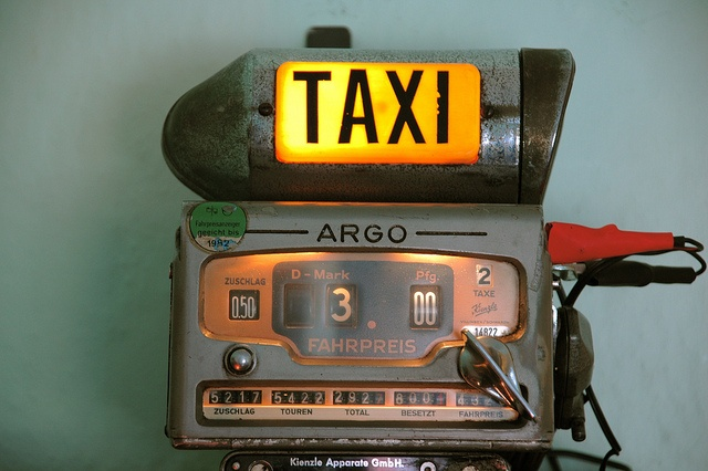 Taxi meter ... beware of taxi drivers in St. Louis ... they will cheat you in a minute!