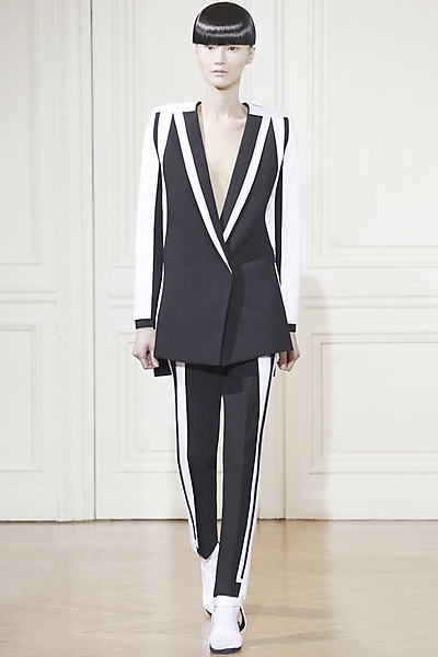 #Rad Hourani - Haute Couture - 2013 Spring-Summer  Women's suits #2dayslook #new style #suitsdresses  www.2dayslook.com