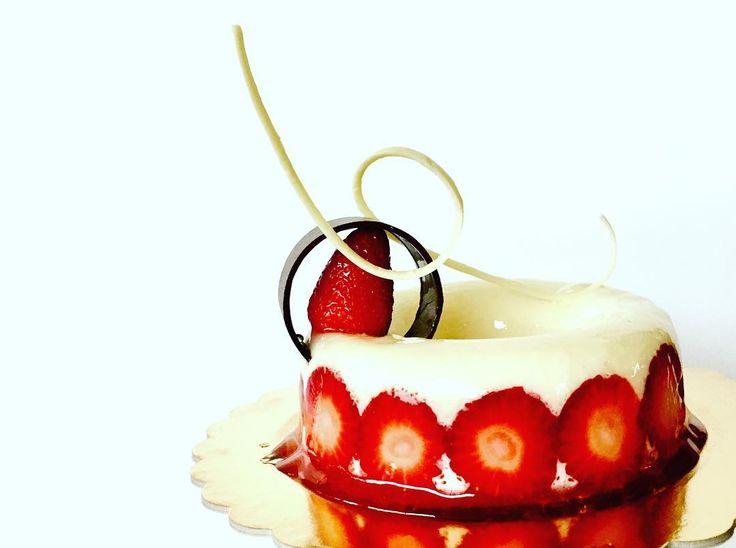 Fragole e Cioccolato Bianco - La Fenice Pasticceria #likeforshoutout#boanoite#boatarde#odiverta#sigodeolta#лайки#fвзаимныеподписки#взаимнаяподпискаf#лайк#пподписканаменя#подписки#взаимные#взаимныелайки#ch#danielfilipovici#ai#tumblr#boys#floral#lafeniceisernia#isernia#likesreturned#likeforfollow#like4follow#likeforlike#likes4tags#chocolate