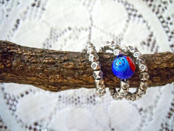 Anello regolabile con metallo e perla di vetro di ilfiorecreativo