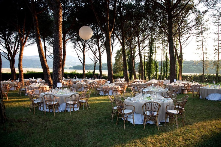 Country chic reception at the lake