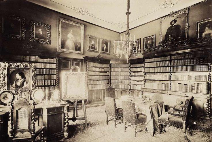Nákó-kastély, könyvtár. A felvétel 1895-1899 között készült. A kép forrását kérjük így adja meg: Fortepan / Budapest Főváros Levéltára. Levéltári jelzet: HU.BFL.XV.19.d.1.13.051