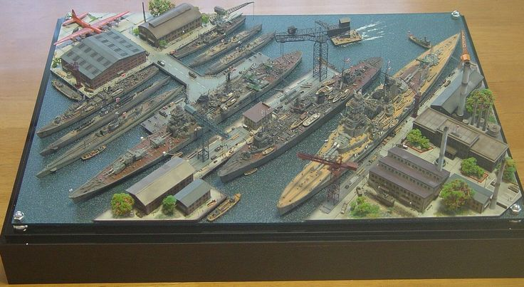 Military harbour 1 400 scale model diorama military for Scale model ideas