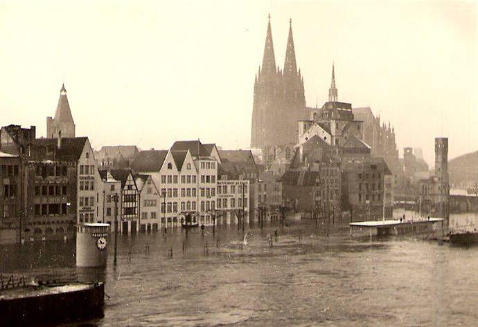 Hochwasser In Koln Wdr Digit Hochwasser Altstadt Uberschwemmung