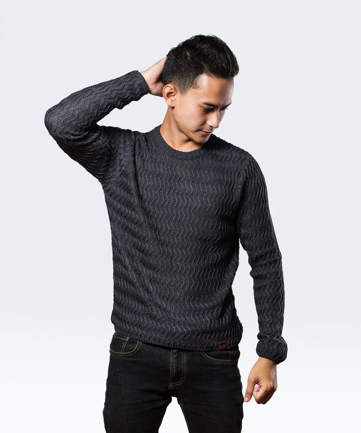 Ripples Sweatshirt is a stylish slimfit sweatshirt.
