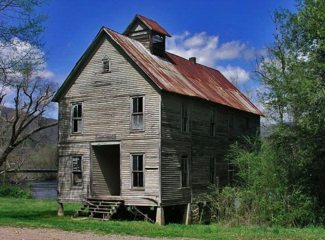 This old school house is found along the Hiawassee River in Tennessee