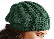 Návod zdarma: Pletená dámská čepice s pružným vzorem | Přítelkyně.eu – kreativní internetový časopis pro ženy