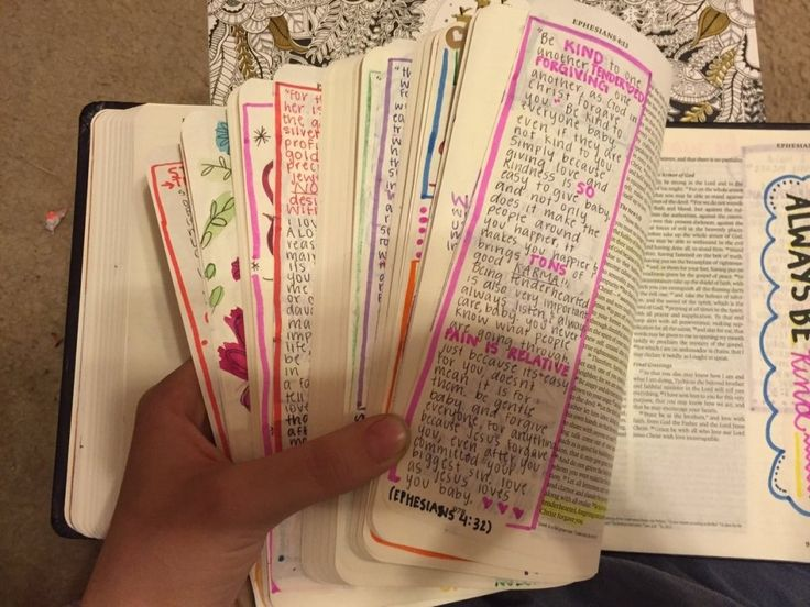 This Girl Decorated Every Page Of A Bible For Her Boyfriend  >>>>This is such a cute gesture! I want to be like her