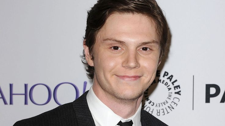 Evan Peters Confirmed for AHS: Hotel - VH1